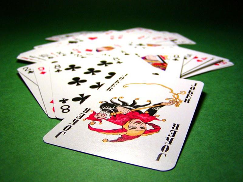 Как играть в покер с Джокерами