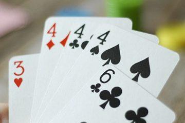 Тройка в покере